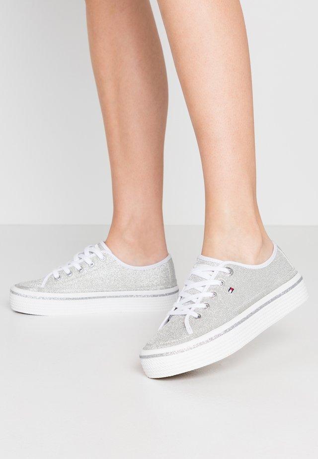 DRESSY GLITTER FLATFORM  - Sneakers - silver