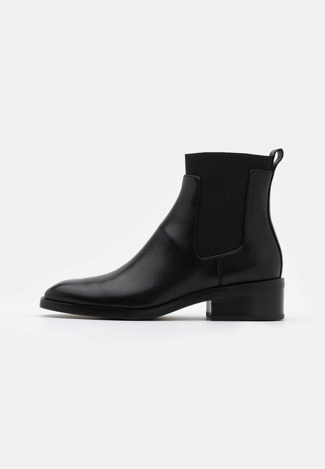 ALEXA CHELSEA BOOT - Støvletter - black