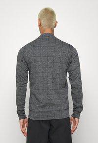 CLOSURE London - PANELLED CHECKED TRACKTOP - Sweatshirt - charcoal - 2