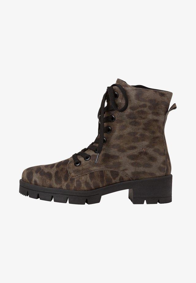 Kotníkové boty na platformě - jaguar
