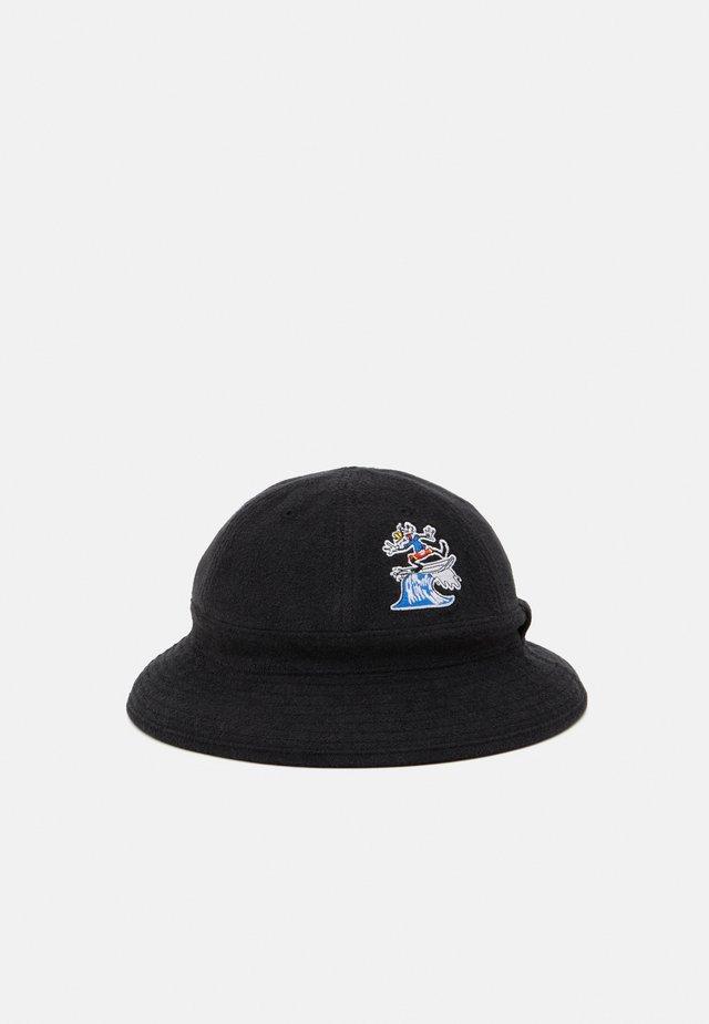 GOOFY - Hat - black/white