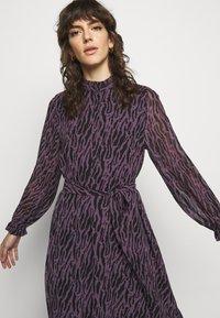 Bruuns Bazaar - GRACE SICI DRESS - Košilové šaty - grace artwork - 3