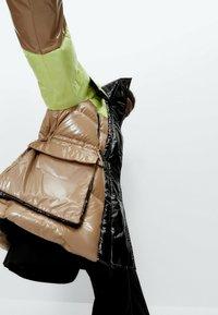 Uterqüe - Winter coat - green - 4