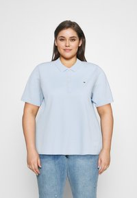 Tommy Hilfiger Curve - ESSENTIAL - Polo shirt - breezy blue - 0