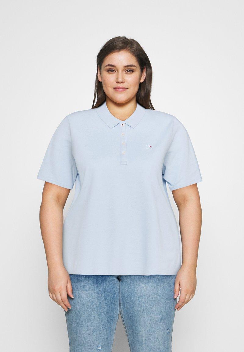 Tommy Hilfiger Curve - ESSENTIAL - Polo shirt - breezy blue