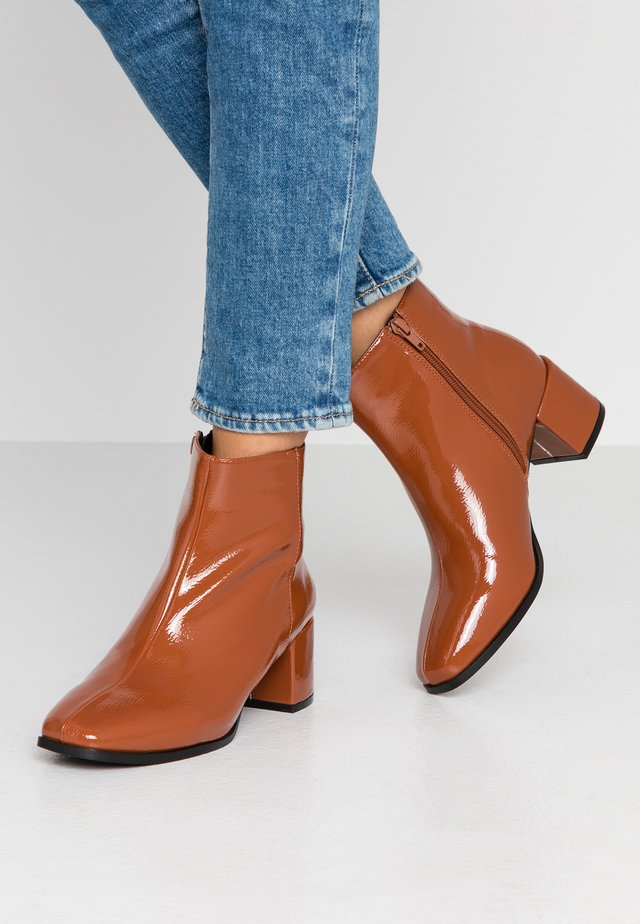 WIDE FIT ERICA BLOCK HEEL - Bottines - rust