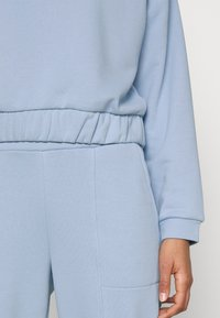 Pieces - PCCOOLIO - Sweatshirt - kentucky blue - 5