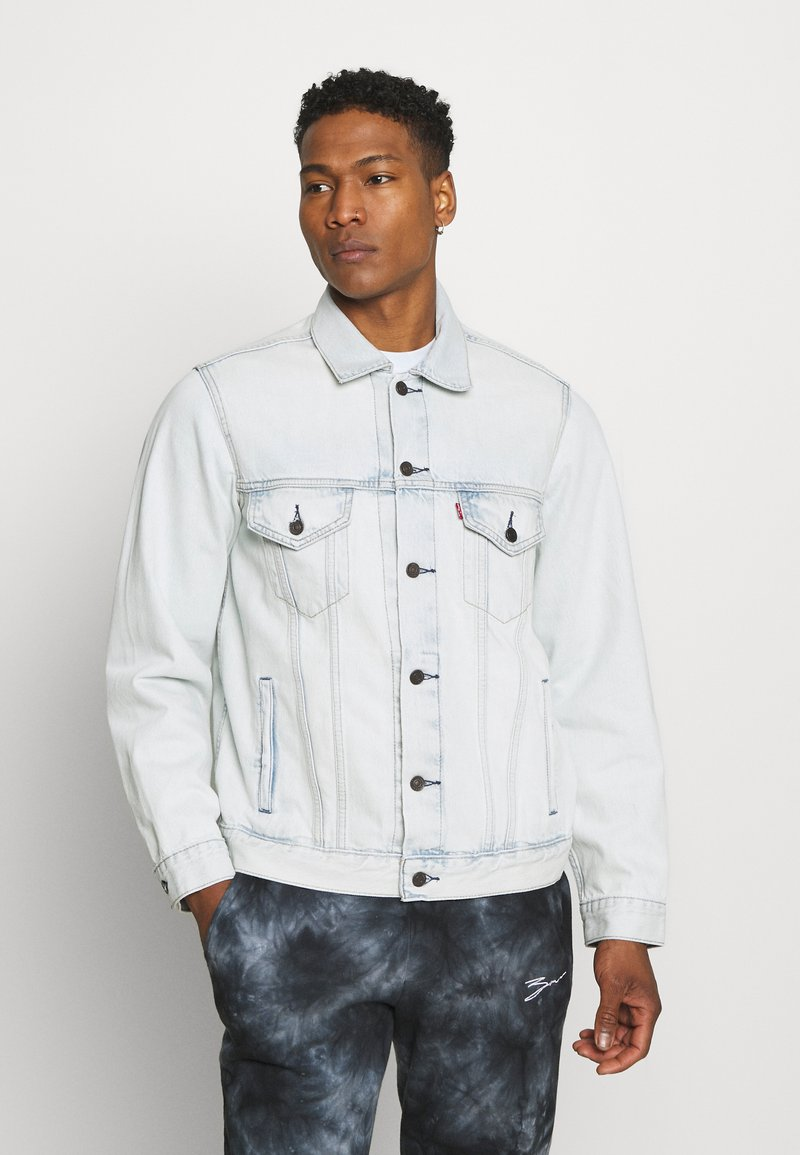 Levi's® - VINTAGE FIT TRUCKER UNISEX - Veste en jean - light indigo