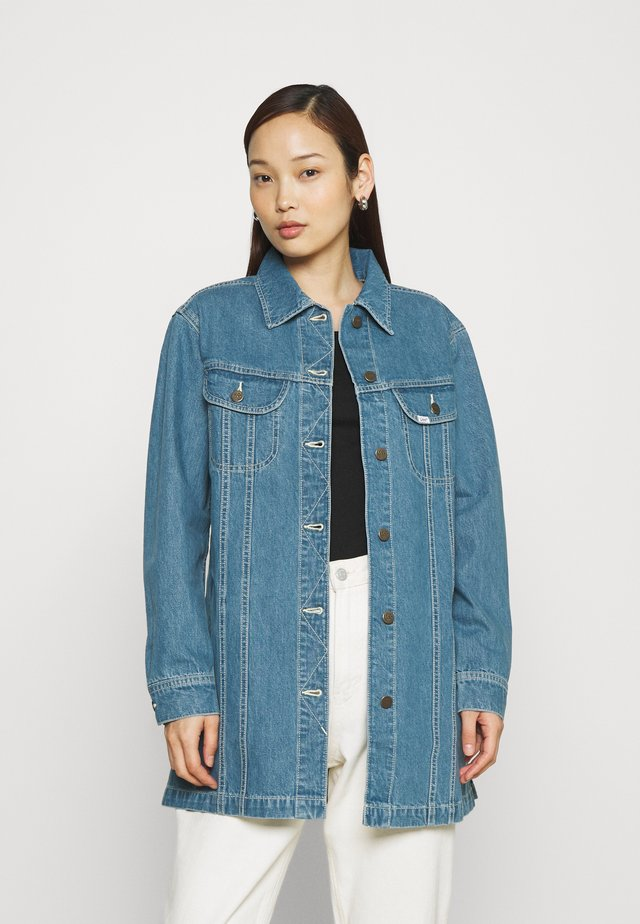 RELAXED RIDER JACKET - Farkkutakki - blue denim