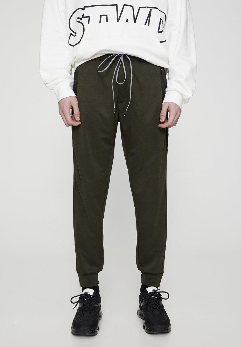 PULL&BEAR - Pantaloni sportivi - khaki