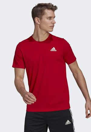 AEROREADY DESIGNED 2 MOVE SPORT T-SHIRT - Camiseta estampada - red