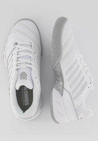K-SWISS - Clay court tennis shoes - weiss / grau - 3