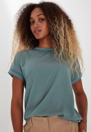 BYPANYA - Print T-shirt - goblin green