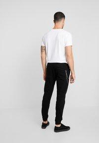 Redefined Rebel - TOBY PANTS - Chino kalhoty - black - 2