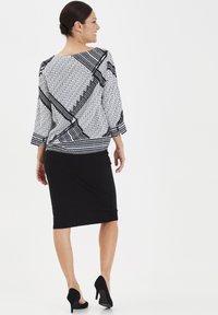 Fransa - FRITSTRETCH - Blyantnederdel / pencil skirts - black - 3