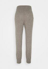 FTC Cashmere - TROUSERS - Teplákové kalhoty - truffle - 1