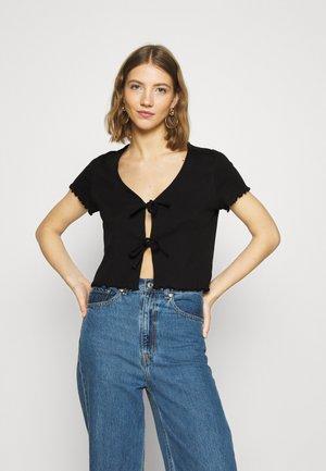 NILLAN - T-shirt print - black