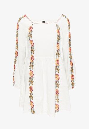 YASVALERIA - Day dress - star white