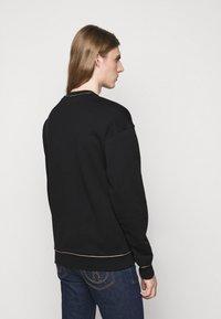 MOSCHINO - CREWNECK - Sweatshirt - black - 2