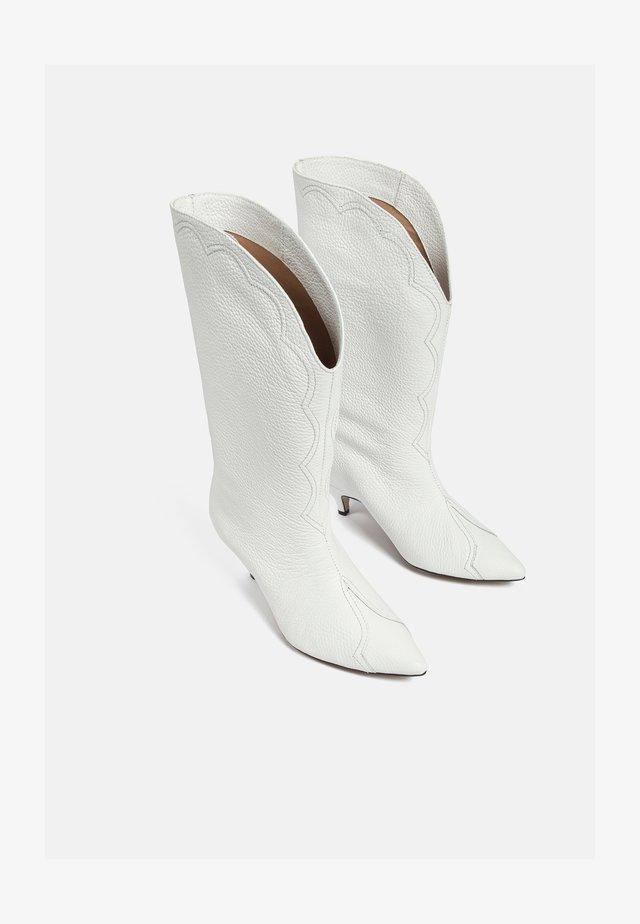 Cowboy/Biker boots - white