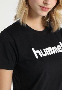 Hummel - HMLGO  - T-shirt z nadrukiem - black - 4
