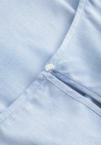 ORSAY - BLUSE MIT ZIERFALTEN - Blouse - jeansblaue - 4