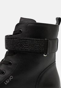LIU JO - DEBBIE  - Šněrovací kotníkové boty - black - 5