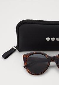 Komono - ELLIS - Sunglasses - havana - 1