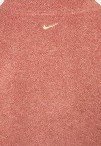 Nike Performance - COZY COWL - Fleece jumper - claystone red/metallic gold - 2