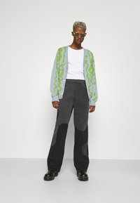 Jaded London - YIN AND YANG CUT AND SEW - Jeans relaxed fit - black - 1