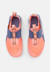 Nike Performance - FLEX RUNNER UNISEX - Zapatillas de running neutras - atomic pink/world indigo/metallic red bronze - 3