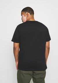 Pier One - 5 PACK - Basic T-shirt - black - 2