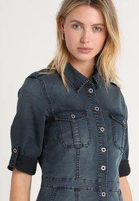 Cream - UNIFORM DRESS - Denimové šaty - royal navy blue - 3