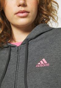 adidas Performance - Bluza rozpinana - dark grey heather/rose tone - 4