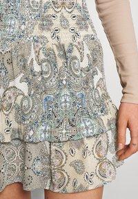 ONLY - ONLALLY SMOCK LAYERED SKIRT - Mini skirt - kalamata/desert - 4