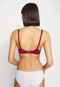 Hunkemöller - LOLA NON WIRE - T-shirt bra - rumba red - 2