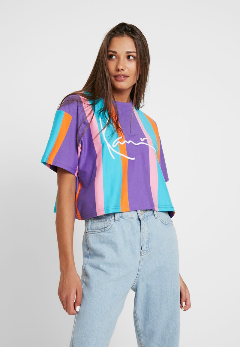 Karl Kani - SIGNATURE STRIPE TEE - Print T-shirt - purple/pink/blue/orange