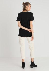Merchcode - FRIENDS LOGO TEE - Print T-shirt - black - 2