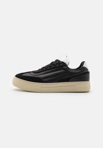 SLHDAVID CHUNKY QUILT TRAIN - Sneaker low - black