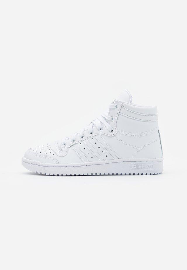 TOP TEN SPORTS INSPIRED MID SHOES - Zapatillas altas - footwear white
