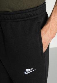 Nike Sportswear - CLUB PANT - Pantaloni sportivi - black - 4