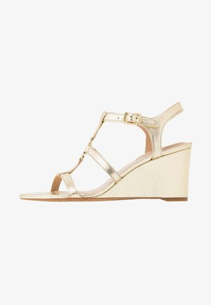METALLIC CHARLTON - Wedge sandals - pale gold