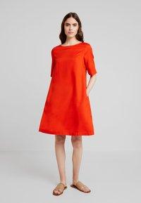 Kings Of Indigo - TEN - Sukienka letnia - burnt orange - 1