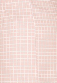 Glamorous - SEERSUCKER - Shortsit - peach grid - 2