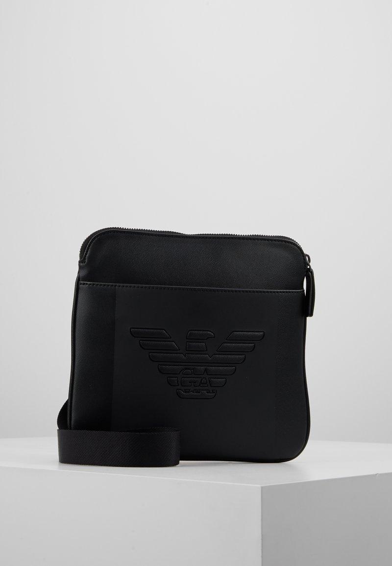 Emporio Armani - PIATTINA SMALL FLAT CROSSBODY BAG - Umhängetasche - black