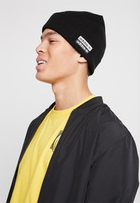 adidas Originals - CUFF  - Bonnet - black/white - 1