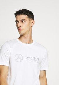 Puma - LOGO TEE - T-Shirt print - white - 4