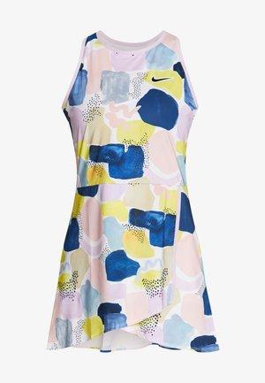TEAM DRESS - Sportovní šaty - lilac mist/off noir