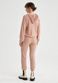 DeFacto - Pantaloni sportivi - pink - 2