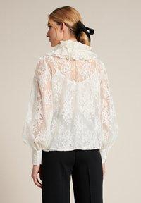 Luisa Spagnoli - Button-down blouse - panna - 1